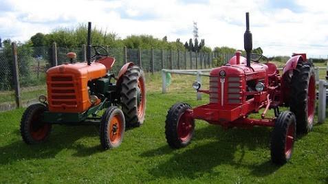 exposition de tracteurs anciens et de mat riels agricole. Black Bedroom Furniture Sets. Home Design Ideas